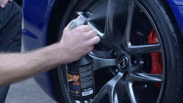 Lexus LFA ultimate car cleaning guide alloys