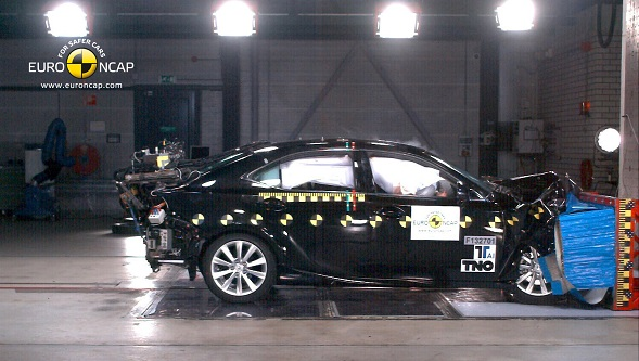 LEXUS_IS_300h_2013_Front-SMALL.pjg_