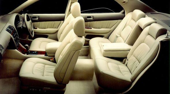LS 400 interior