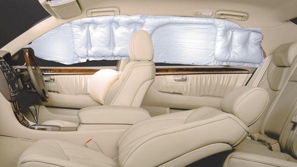 third-generation Lexus LS 430 curtain airbags