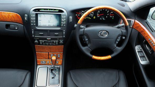 third-generation Lexus LS 430 interior