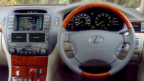 LS 430 sat nav History of Lexus navigation systems
