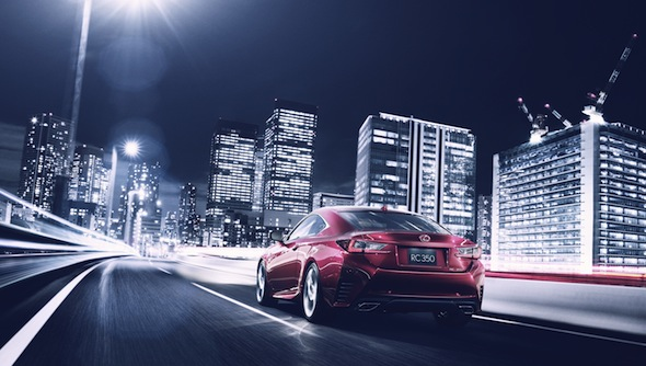 Lexus_RC_city_dynamic_rear