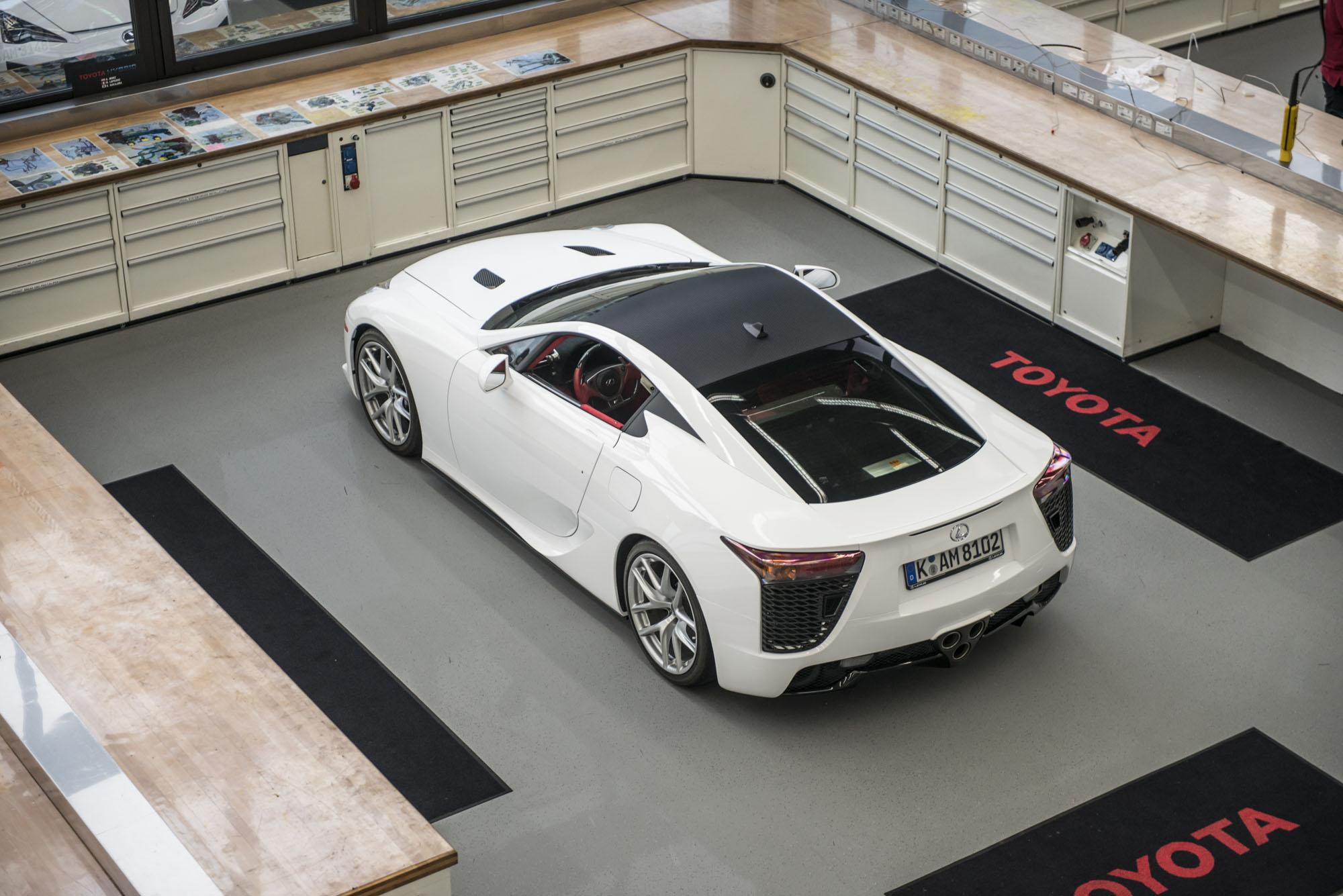 How to service a Lexus LFA TME white LFA