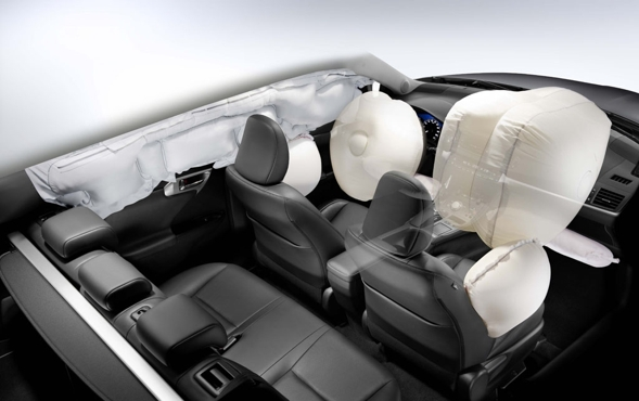 CT 200h Airbags