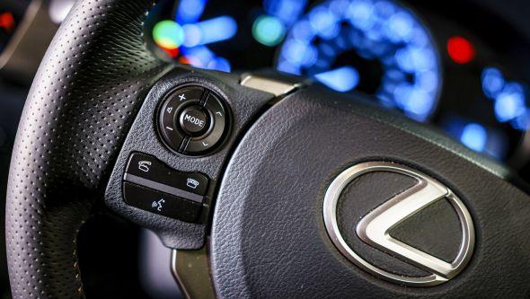 CT 200h audio system 01