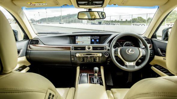 Lexus GS 450h 12.3-inch wide high-resolution screen