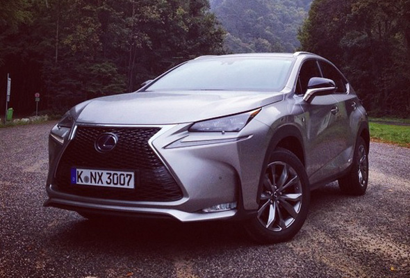 nx-300h-F-SPORT-feature