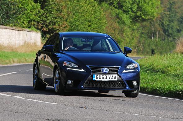 Lexus-IS-action