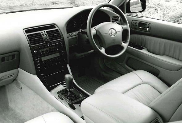 ls400-interior