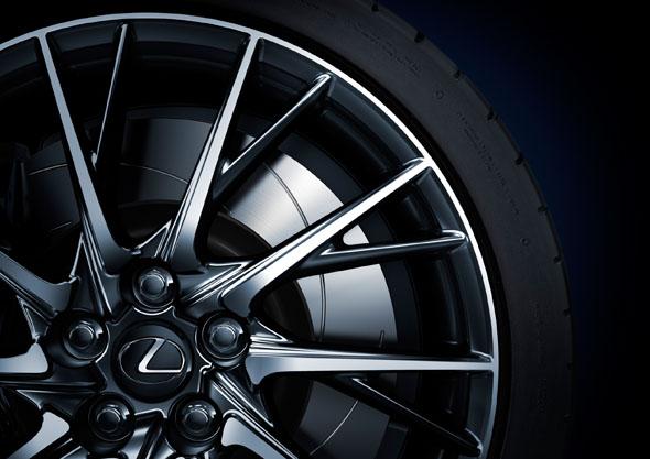 RC F 19 inch alloy wheel