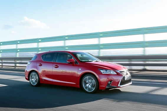 Lexus CT 200h review driving