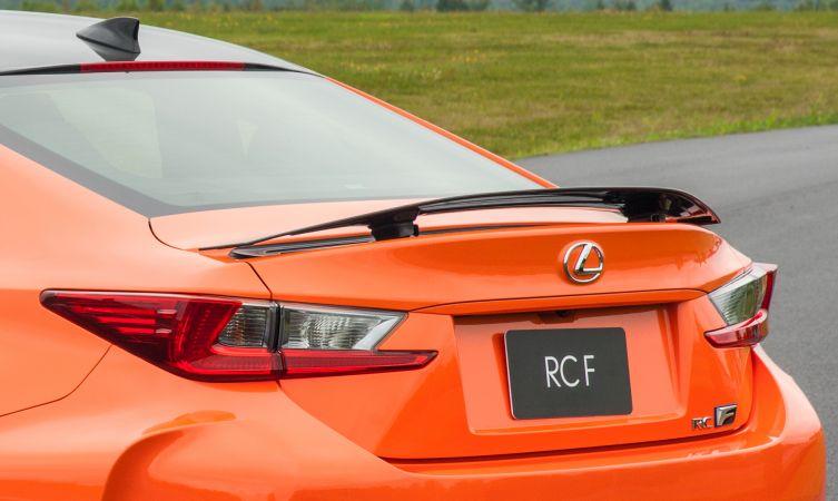RC F Carbon rear spoiler
