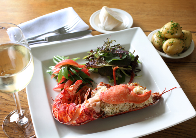 Chilli-Crab-and-Lobster-Sal