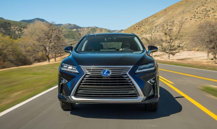 2016-Lexus-RX-450h 02