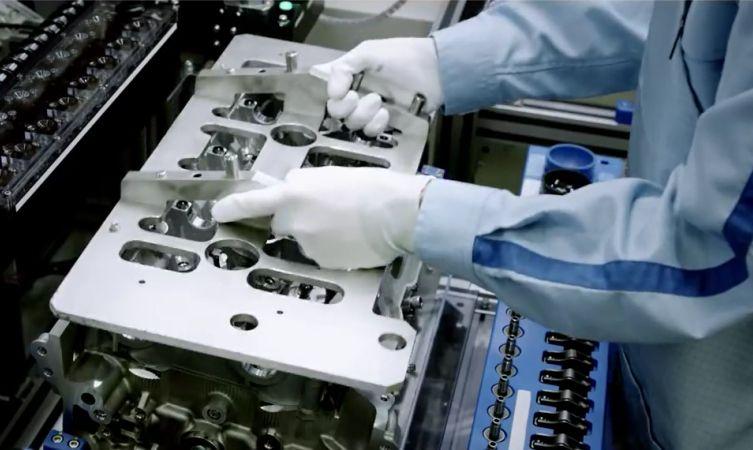 GS F engine 01