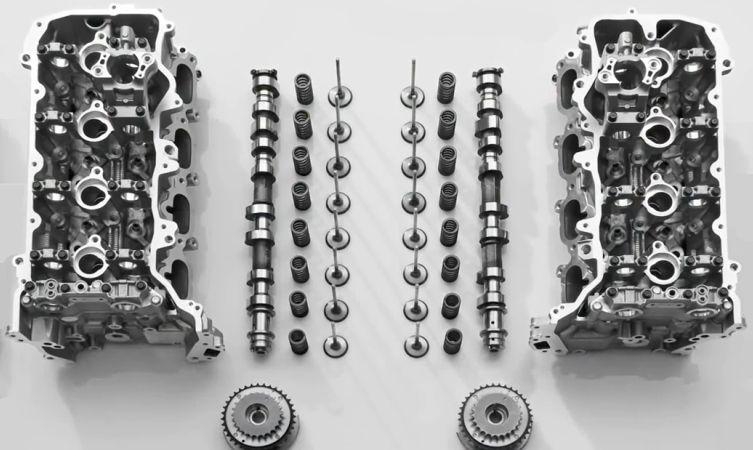 GS F engine 02