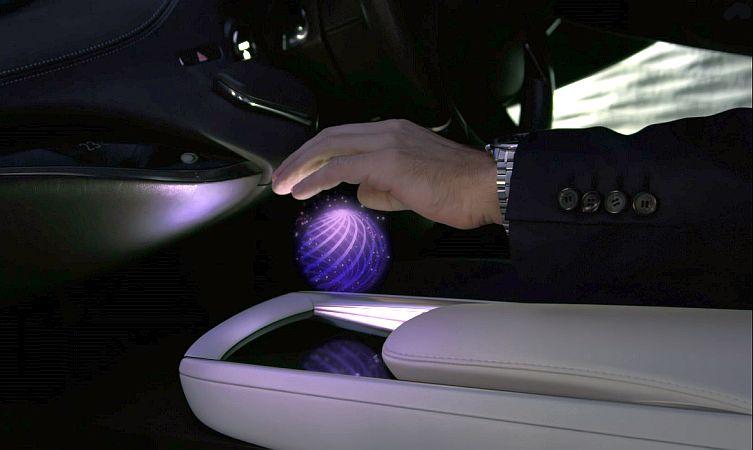 Lexus LF-FC hand