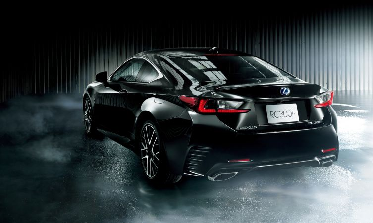 Lexus RC 04