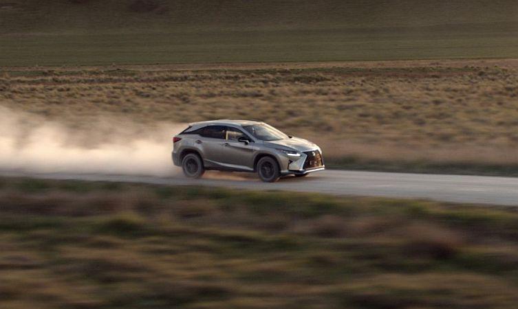 Lexus RX wingsuit 03