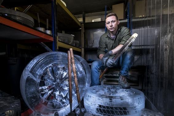 Ice-Tyre Lexus NX sculptor