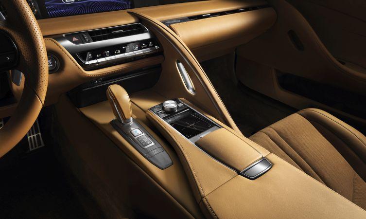 Lexus LC 500 interior 01