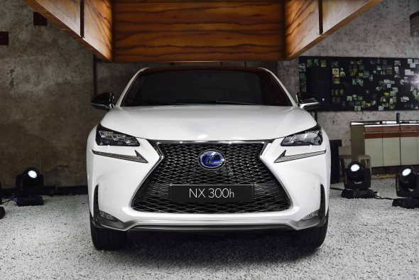 First Lexus NX rolls off of the line 300h