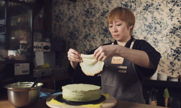 THE ART OF MAKING A MATCHA CREPE CAKE