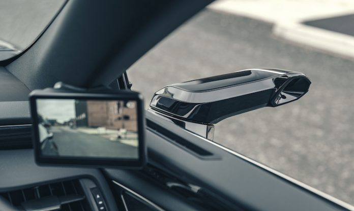 World of Lexus-Lexus ES digital mirrors
