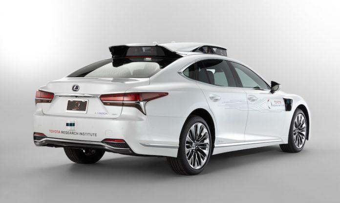 Lexus_LS_500h_TRI_autonomous_001