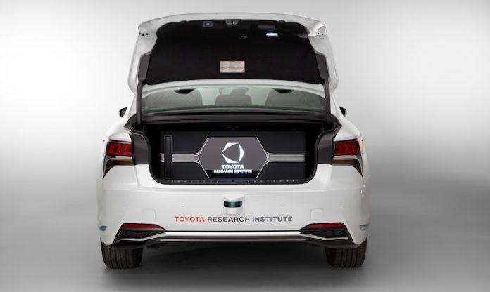 Lexus_LS_500h_TRI_autonomous_0010