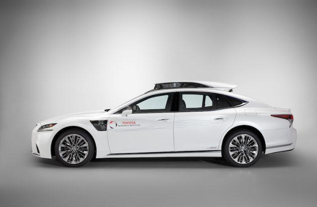 Lexus_LS_500h_TRI_autonomous_0012