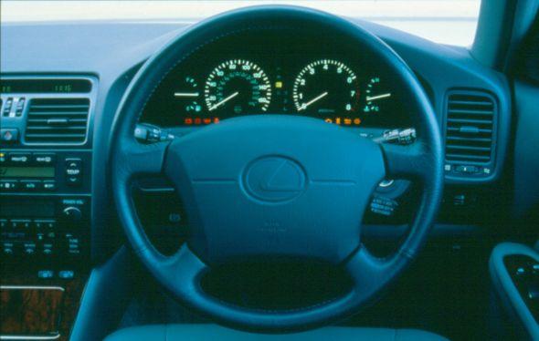 Lexus LS 400 collapsible steering column